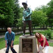 Roguetrippers posing with the Scarecrow in OZ PARK Chicago