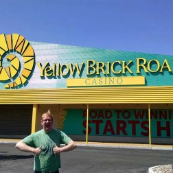 Roguetrippers-visit-Yellow-Brick-Road-Casino-seaching-for-Wizard-of-OZ