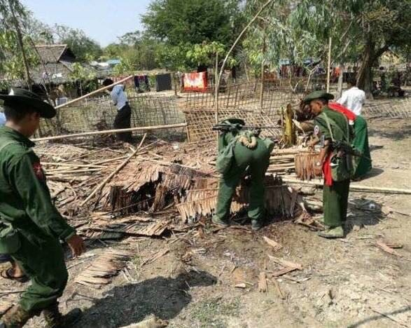 BGP soldiers demolish abandoned Rohingya houses