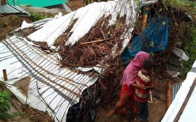 Devastated makeshift; heavy rain pounds at Unciparang Refugee Camp