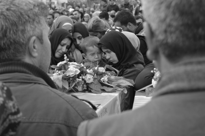 Kurdistan-cementerio-de-Afrin-la-tinta