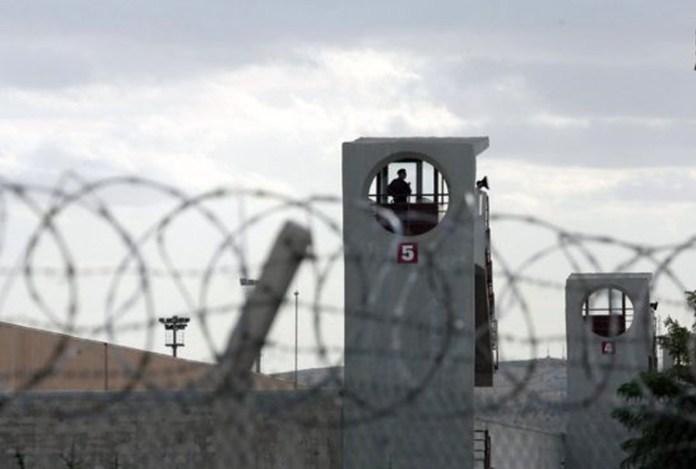 A l'appel d'Ocalan, les prisonniers politiques kurdes en grève de la faim annoncent l'arrêt de leur action