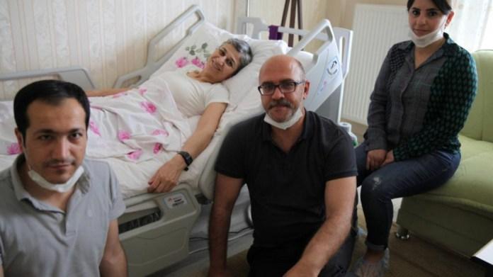 Visite des avocats d'Ocalan à Leyla Güven