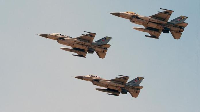 La Turquie bombarde des montagnes au Kurdistan irakien