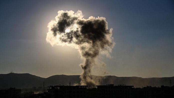 Un civil a été blessé, jeudi, dans l'explosion d'une voiture piégée à Manbij, dans le nord de la Syrie.