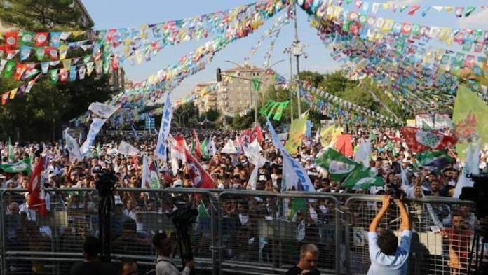 Grand rassemblement pour la paix à Diyarbakir
