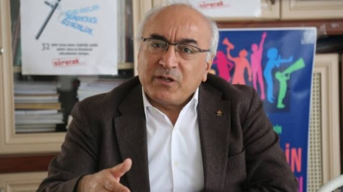 Le Coprésident de l'Association des Droits de l'Homme de Turquie déclare que l'isolement du leader kurde Abdullah Öcalan est contraire au droit et demande la fermeture de la prison d'Imrali.