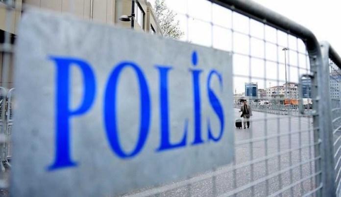 En Turquie, depuis que le président turc Recep Tayyip Erdogan a annoncé une réforme judiciaire «pour renforcer l'état de droit», au moins 415 membres de l'opposition ont été arrêtés.