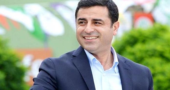 Un tribunal d'Ankara a rejeté la demande de libération de Selahattin Demirtas, faisant fi de la décision de la décision de la CEDH.