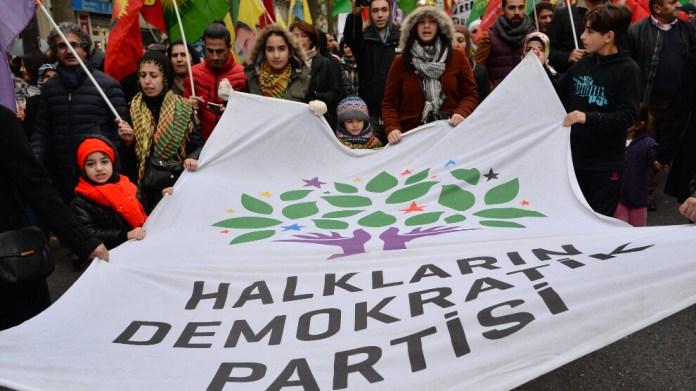 Les députés européens de gauche appellent à une action européenne contre le génocide politique mené par le régime turc à l'encontre du HDP