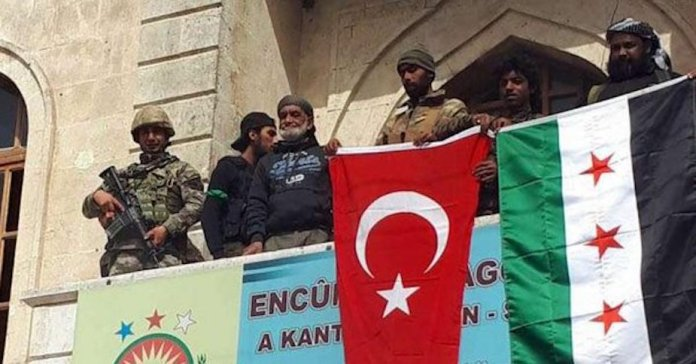 A l'occasion du troisième anniversaire de l'occupation de la ville kurde d'Afrin, dans le nord de la Syrie, la Turquie a interdit l'utilisation de la monnaie syrienne.