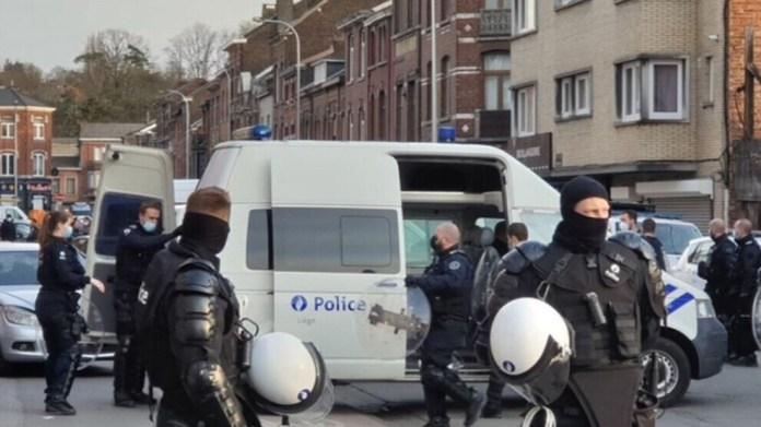 L'organisation faîtière des associations kurdes de Belgique a démenti l'implication des Kurdes dans la rixe qui a fait un mort à Liège.