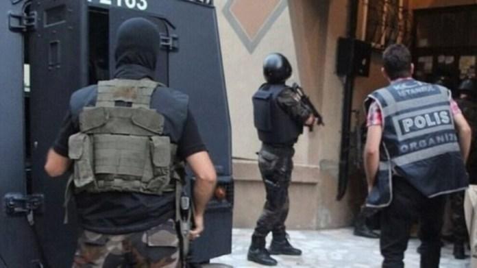 La police turque a fait une descente dans de nombreux domiciles ce lundi matin, à Amed (Diyarbakir), arrêtant au moins 9 personnes.