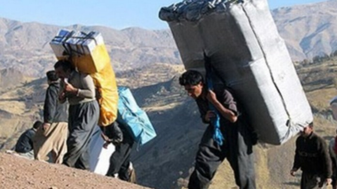 Les gardes-frontières iraniens poursuivent leurs attaques contre les kolbars à la frontière entre l'Est-Kurdistan et le Sud-Kurdistan