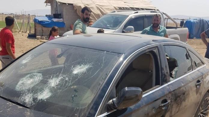 Selon l'agence de presse Mezopotamya (MA), une famille kurde originaire de Diyarbakır, installée depuis 20 ans dans le district de Meram, à Konya, en Turquie, a été la cible d'une attaque raciste, mardi 20 juillet au soir. Une soixantaine de personnes auraient attaqué la famille avec des armes à feu. Un des membres de la famille, Hakim Dal (43 ans), a été tué dans l'agression. Selon les informations recueillies par MA, les personnes visées avaient auparavant reçu à plusieurs reprises des menaces à caractère raciste.
