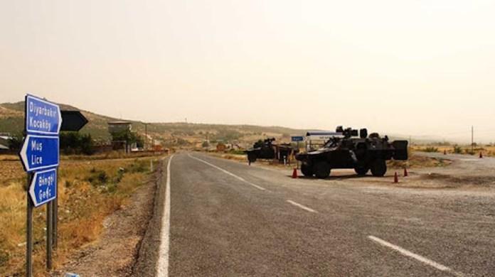 Des soldats turcs ont détenu et torturé 8 habitants du village de Yazı (Hewre) dans le district de Kocaköy à Amed (Diyarbakir).