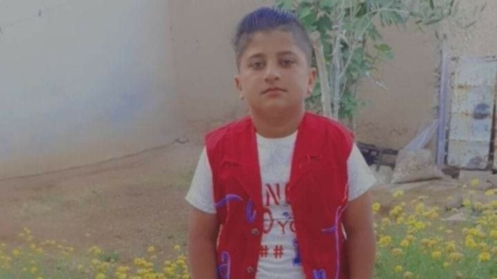 Un enfant est mort mercredi à Qamishlo, dans le nord-est de la Syrie, tué par une balle perdue. Deux autres enfants ont été blessés.