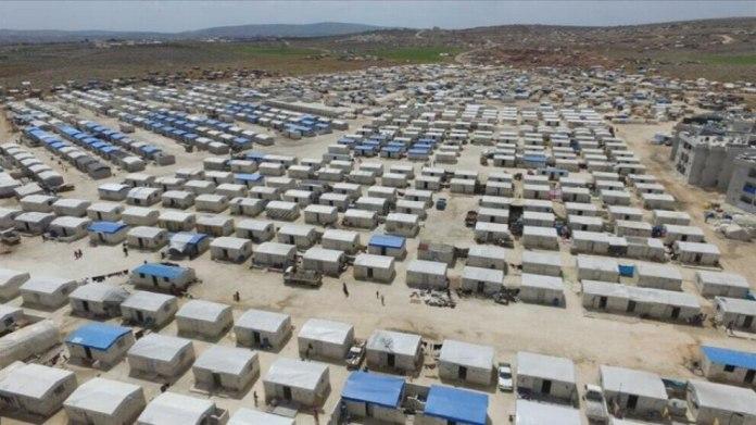 L'État turc continue de construire, par le biais des associations qui lui sont liées, de nouvelles maisons pour les familles de mercenaires à Azaz, dans le nord de la Syrie.