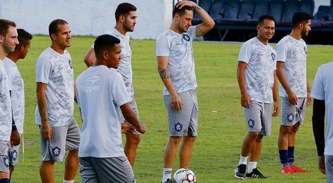 Com salários atrasados, jogadores do Remo cancelam treino