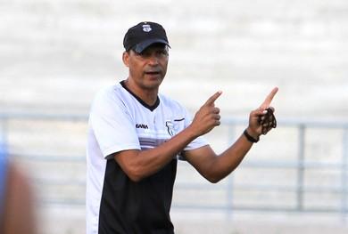 São Raimundo faz proposta e espera anunciar Everton Goiano como novo técnico
