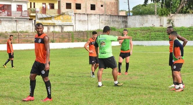 Com chances de chegar a liderança São Raimundo enfrenta o Bragantino no Diogão