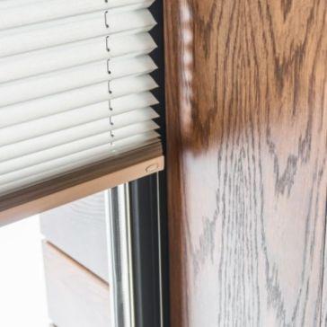 Mieszkanie na parterze: jak zasłonić swoje okna? 5 propozycji