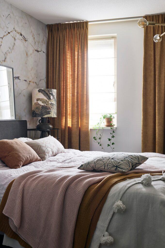 Zasłona w sypialni