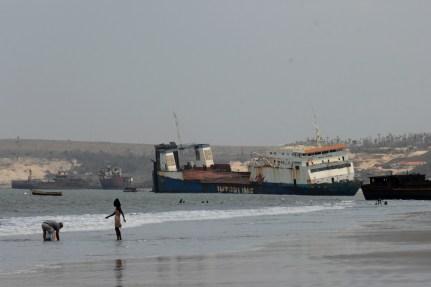 landscape ships ships 02 1502 d2x 75-300 30x20 colour