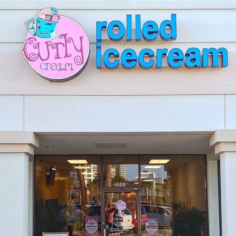 Roll Ice Cream Satisfied Customers