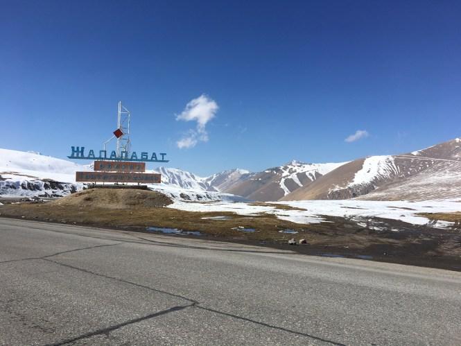 Alabel-ashyusu-pass-in-Kyrgyzstan