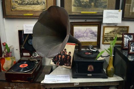 Wat-ket-karam-museum-detail-of-gramophone