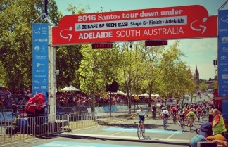 Caleb Ewan wins Stage 6