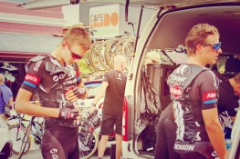 Giant Alpecin try to beat the heat