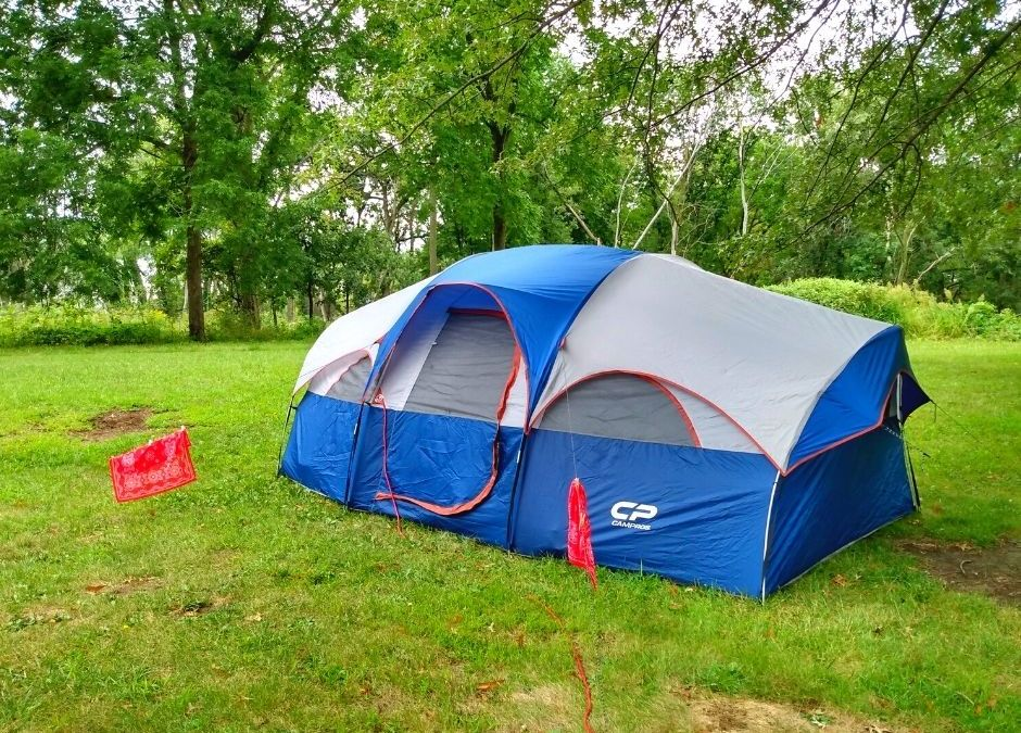 18 Family Camping Essentials {Tent Camping for Newbies}