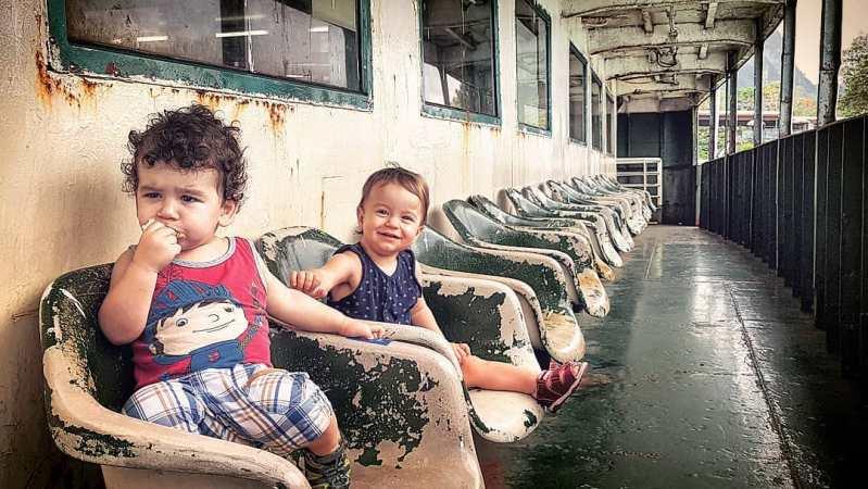 деца на ферибота