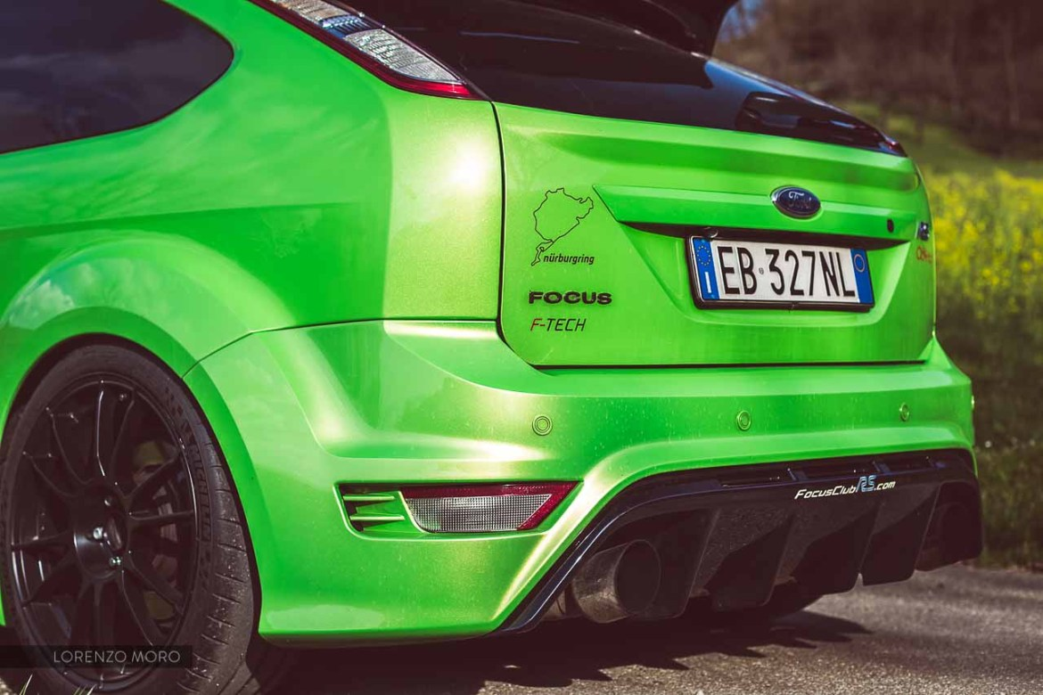 ford focus rs detail rear