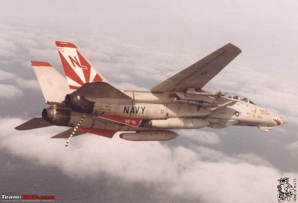 F-14 turning left