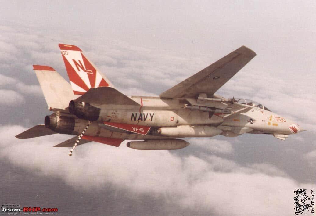 F-14 turning left