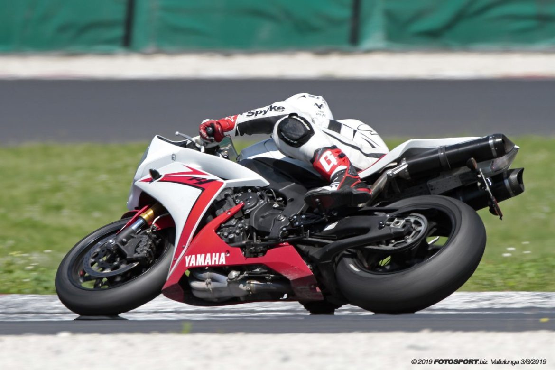 Yamaha R1 Vallelunga 3