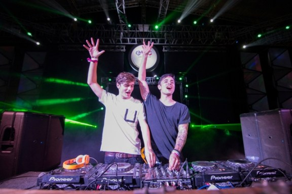MARTIN GARRIX and BASSJACKERS performing at Enchated Valley Carnival resized