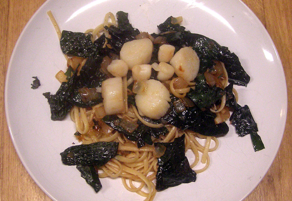 Seared Scallops with Kale over Pasta