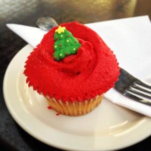 hummingbird bakery christmas cupcake
