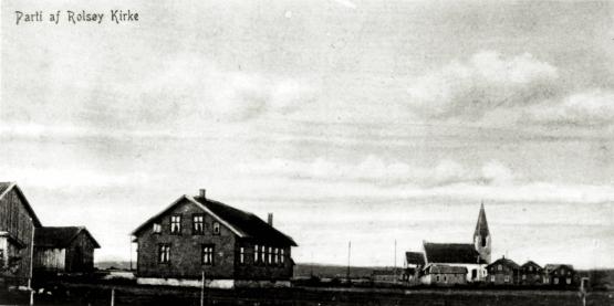Hans Nielsen Hauges barndomshjem ble overtatt av Indremisjonsselskapet, og huset ble tatt i bruk som bedehus fra omkring 1895. ELIM var den første bygning i Rolvsøy som ble reist fra grunnen av med det formål å skulle tjene som bedehus. 29. September 1900 ble Tune kapellani gjenopprettet, og det ble bestemt at kapellanen skulle bo på Rolvsøy. Biskopen søkte om å få benytte bedehuset for gudstjenester og kirkelige handlinger. ELIM tjente derfor som interimskirke, til bygda ble eget kirkesogn og fikk egen kirke i 1908. Medlemmene på ELIM donerte huset til Rolvsøy menighet. Salgssummen bidro med startkapital for menighetssenteret.