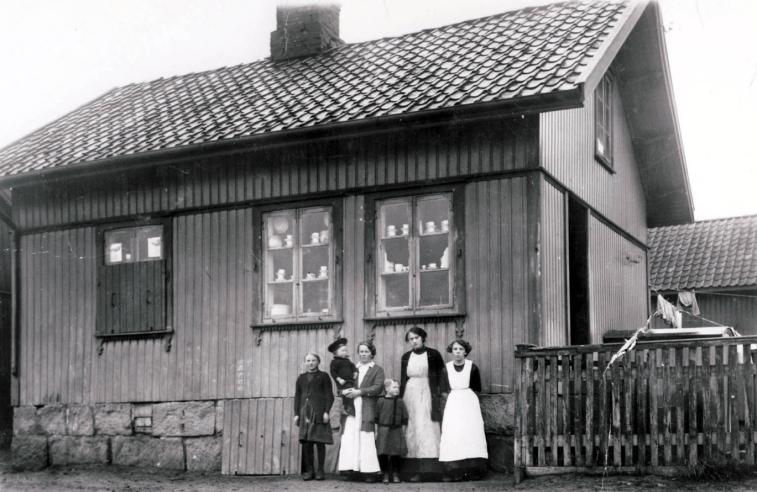 Severin Olsens landhandel i Ravneveien 33. Bildet er tatt tidlig på 1900-tallet