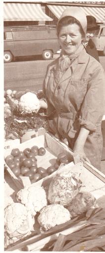 Ruth Spærnes (født 1936) i aktivitet på Torvet