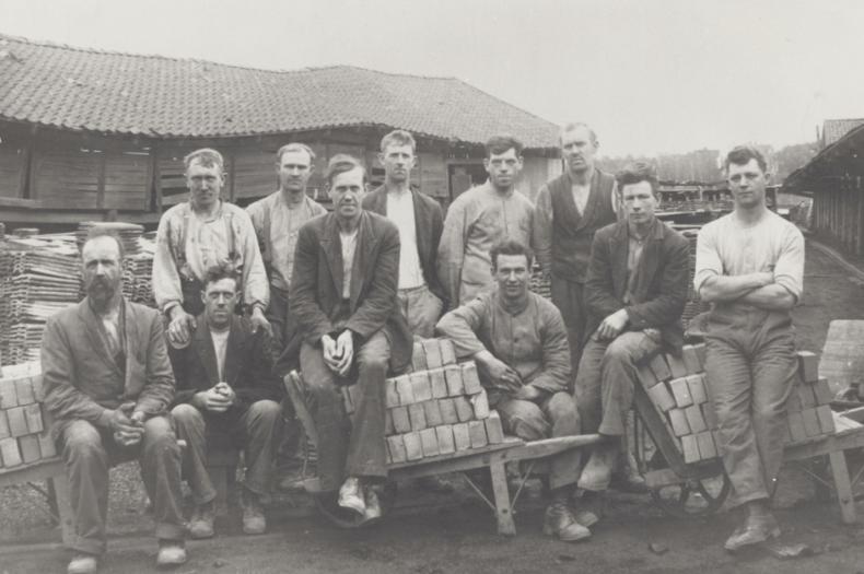 Arbeidere ved Valle teglverk 1923. SGE:474
