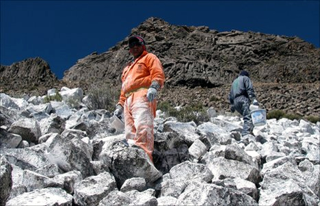 painting the andes with a lime based paint
