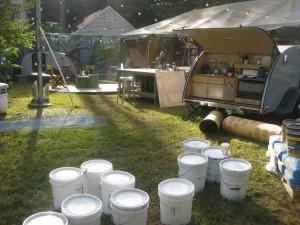 101-Roma Paint-Buckets on Set