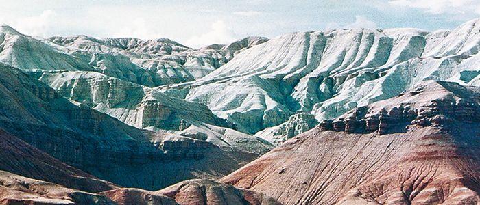 Kasachstan_Die-Weißen-Berge-im-Nationalpark-Altyn-Emel