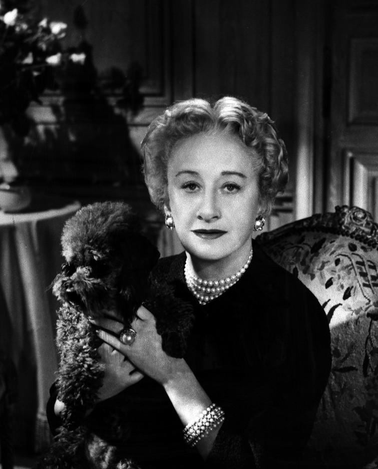Hattie_Carnegie_1955